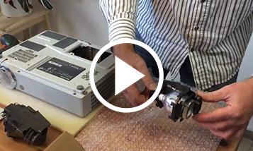 Anleitungsvideo: Lampenwechsel Panasonic